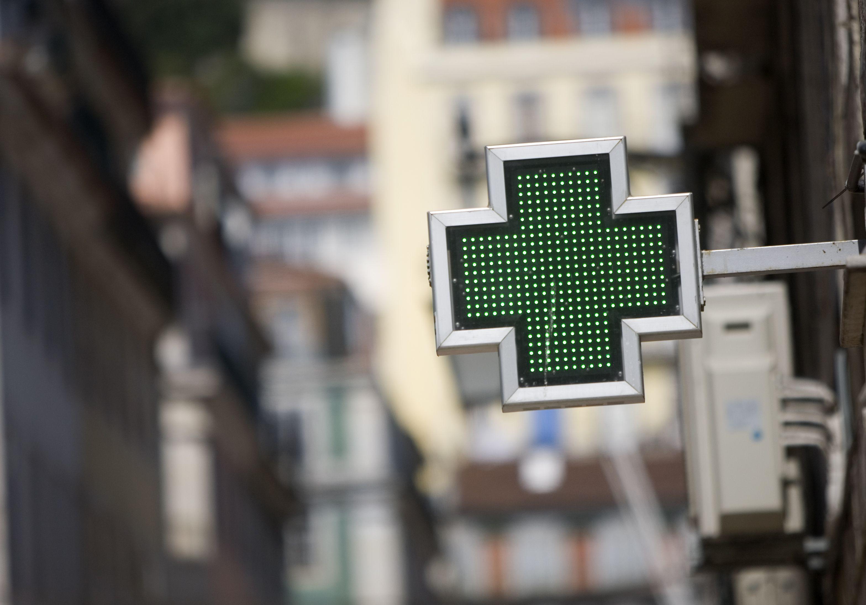 As intervenções dos farmacêuticos junto dos utentes poupam à sociedade  portuguesa cerca de 880 milhões de euros, valor que poderia ascender a mais  144 ... 896e8c1498