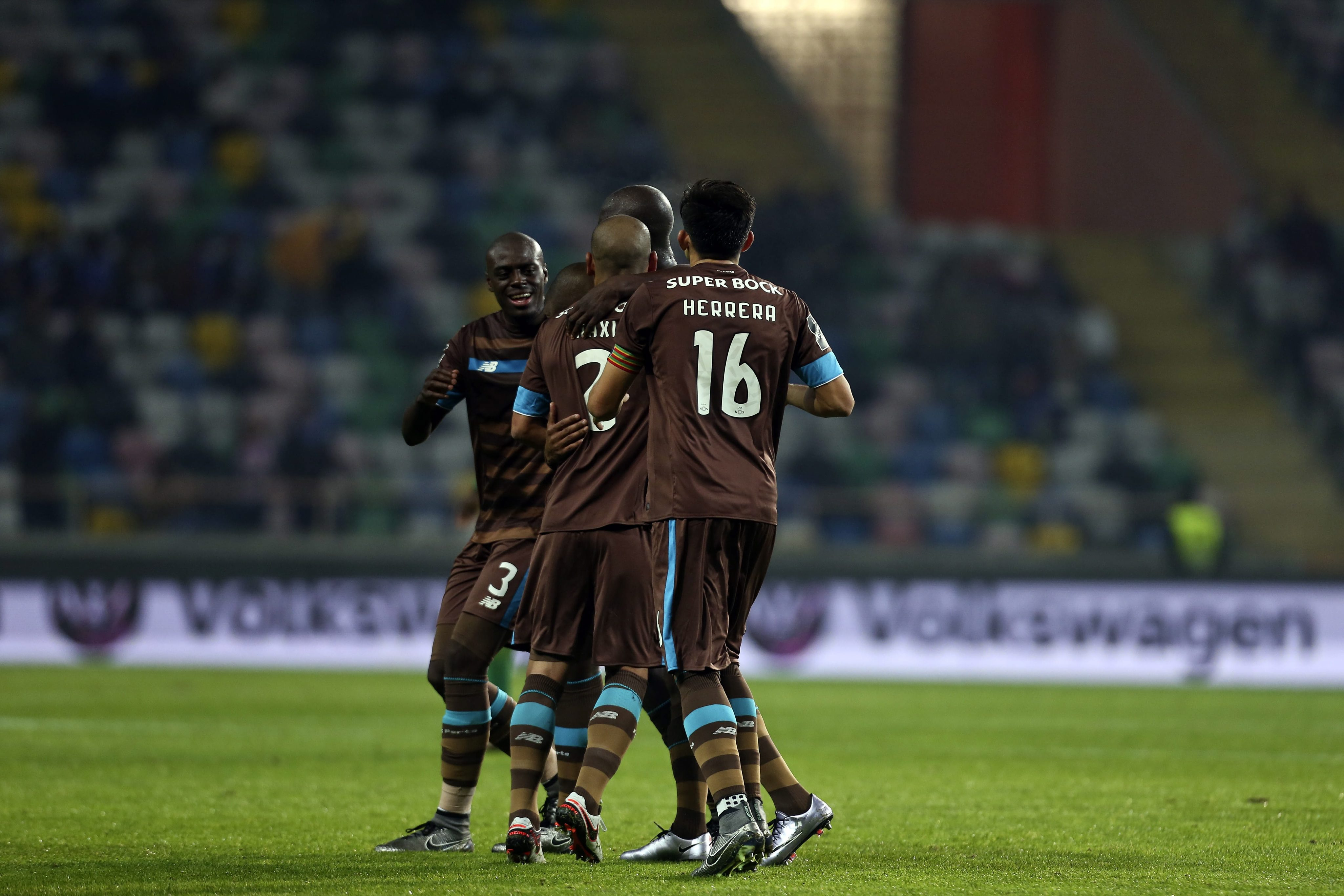 fb1f9fe204de3 O FC Porto venceu hoje em Aveiro o Tondela por 1-0